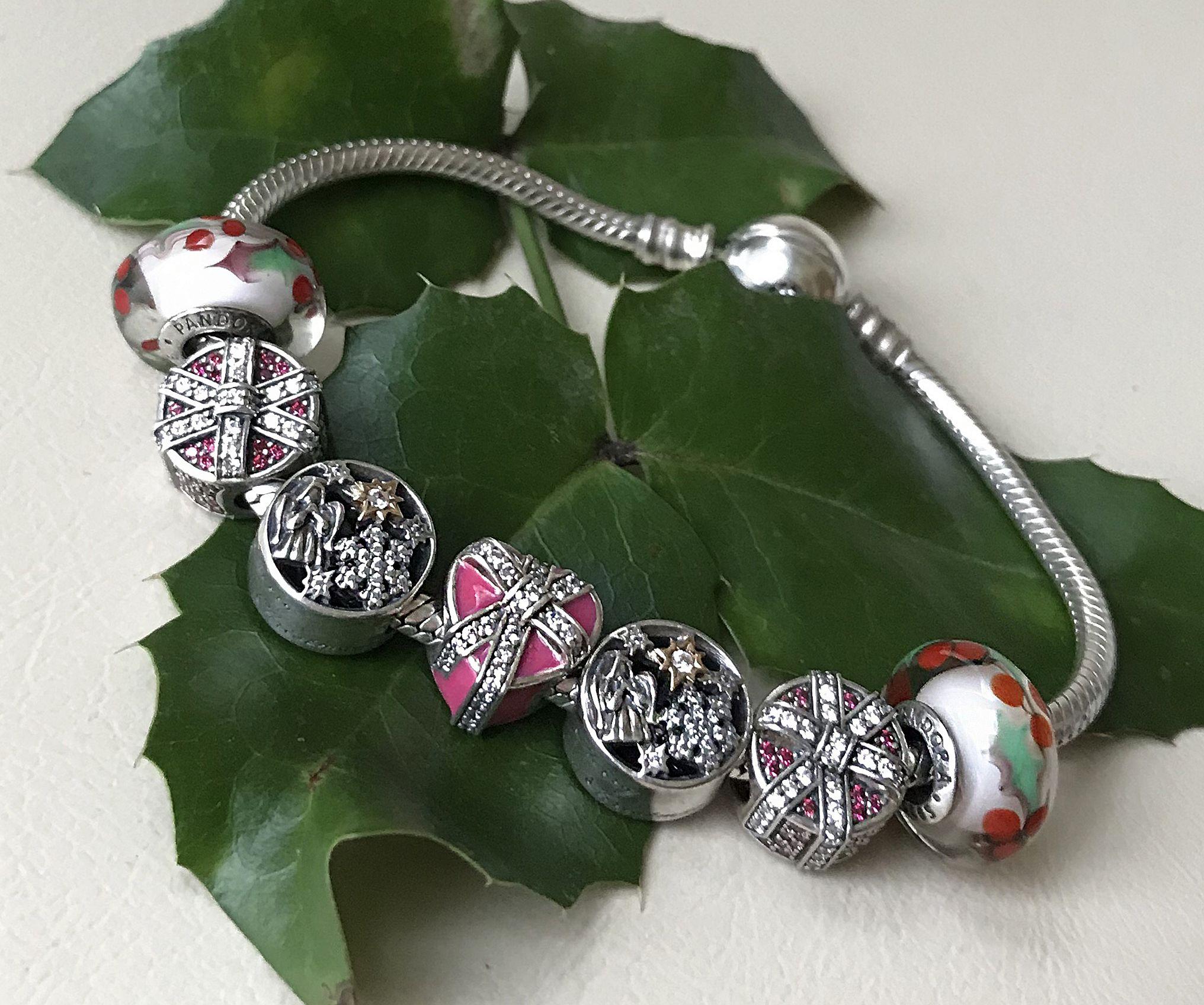 A legszebb karácsonyi Pandora charmok - a Moments Box kedvencei
